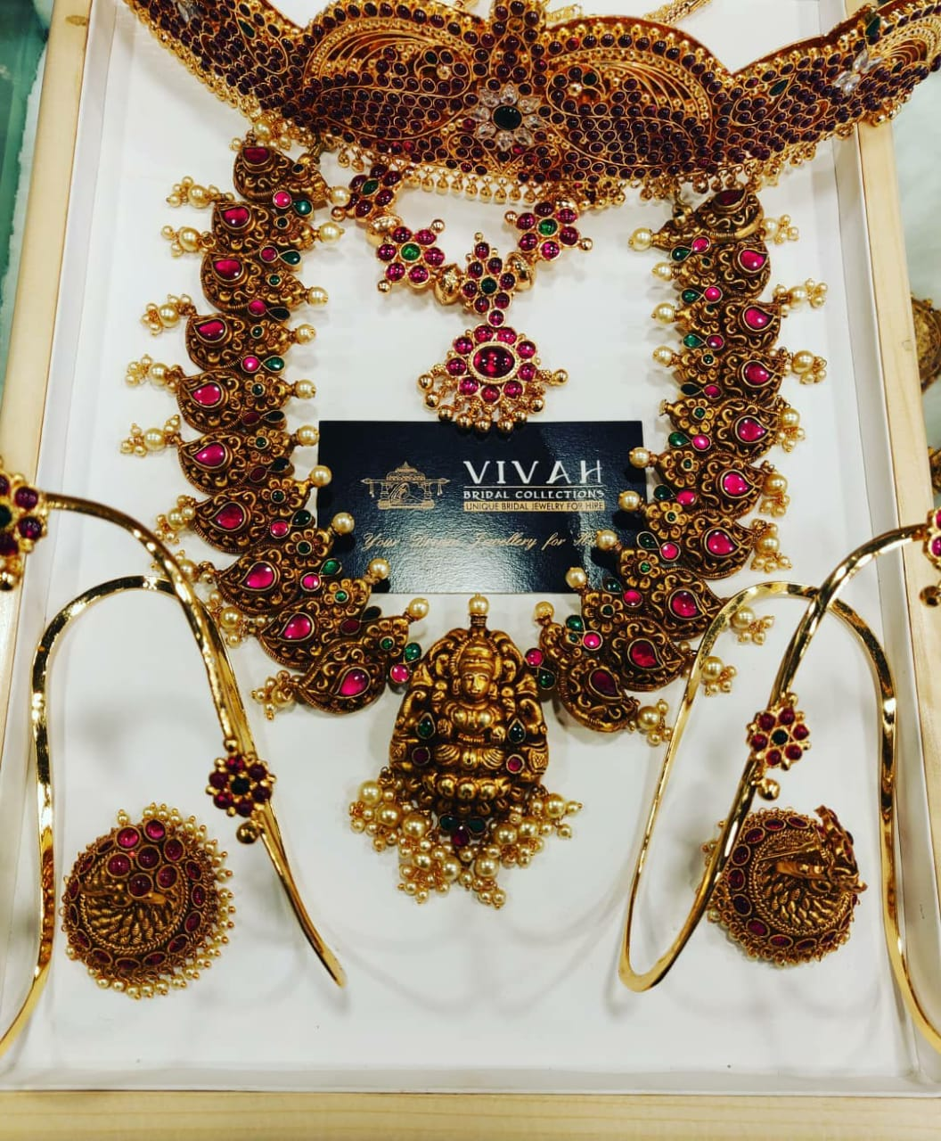 antique jewellery collections for rent in anna nagar