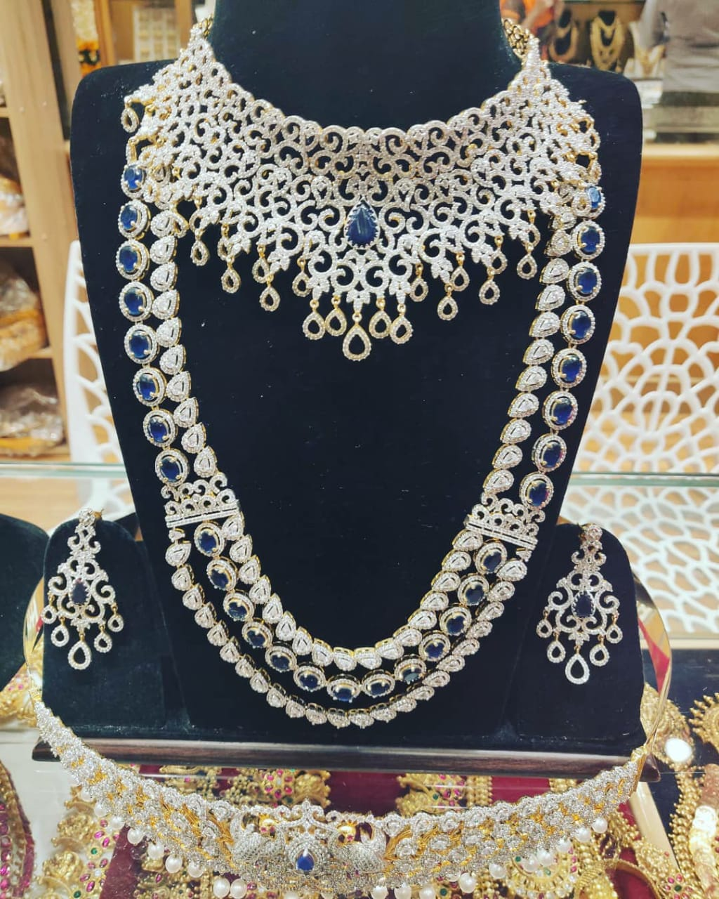 cz choker jewellery for rent in t nagar