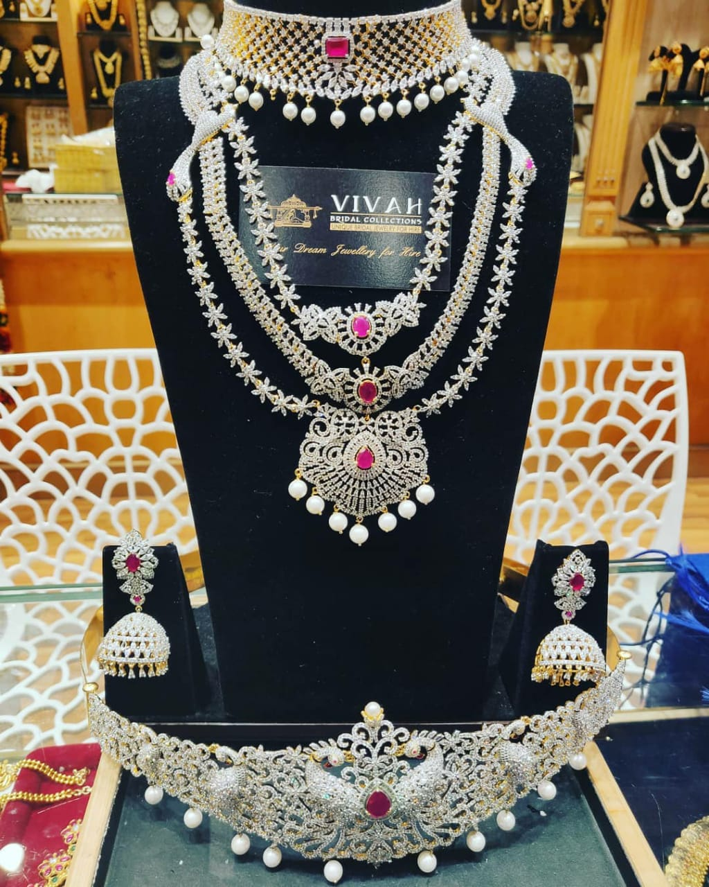 cz full jewellery for rent in anna nagar