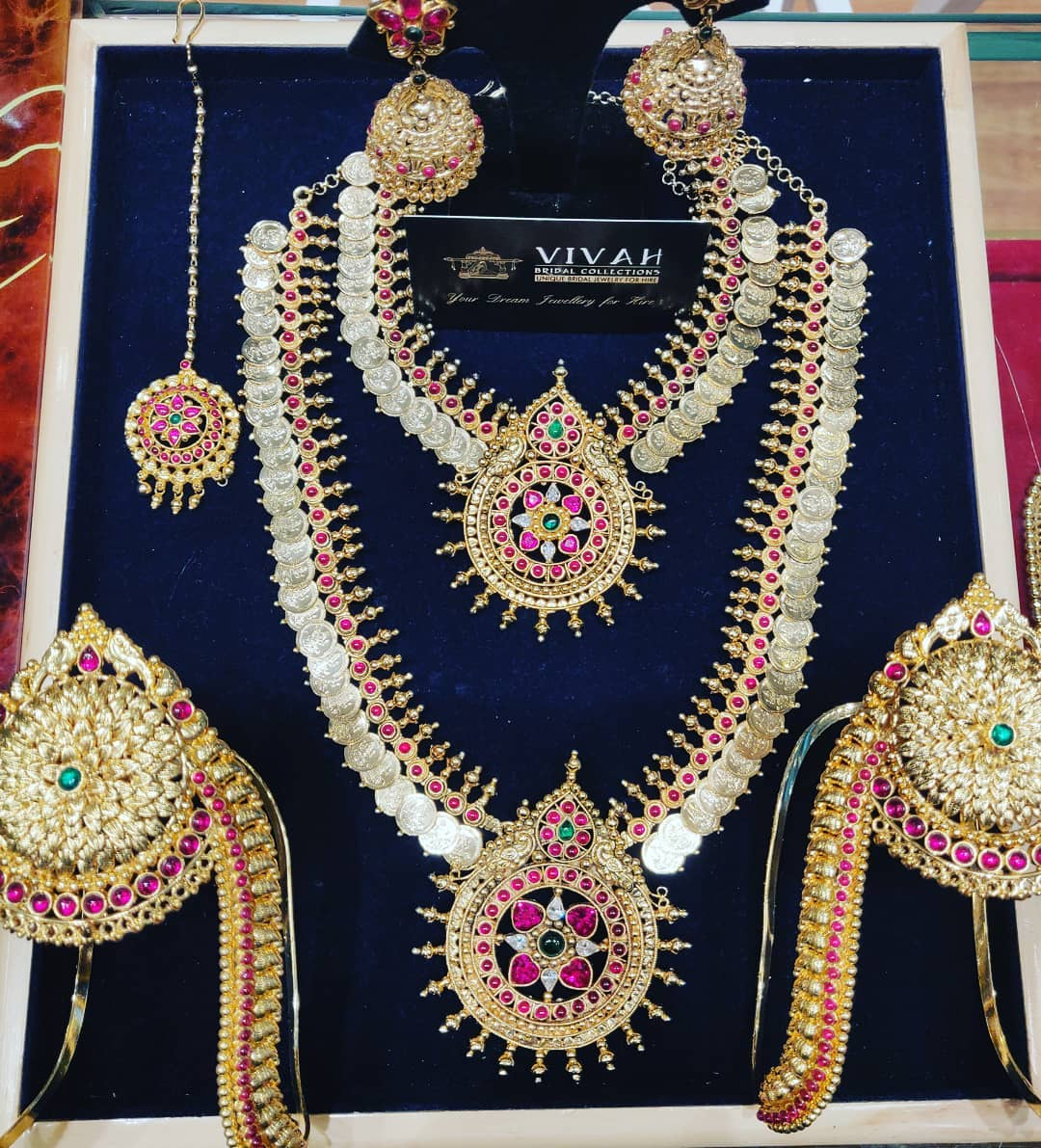 cz full jewellery for rent in perumbakkam
